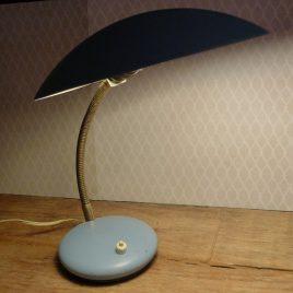 Lichtblauw bureaulampje