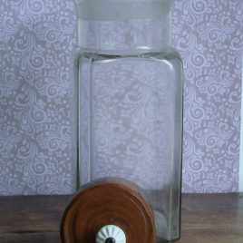 Oude glazen bokaal