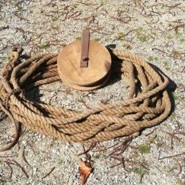 Houten katrol met touw