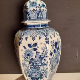 Delfts blauwe dekselvaas